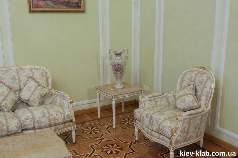 Кресла в доме плачущей вдовы