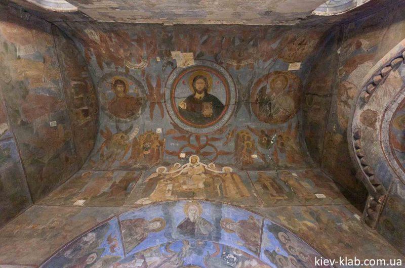 Свод церковь на Берестове