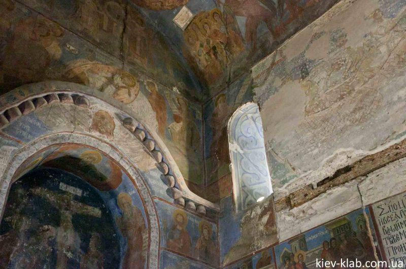 Древняя арка 12 столетия