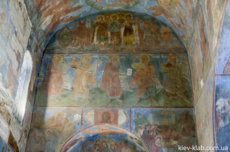 Князья и их дети на фресках