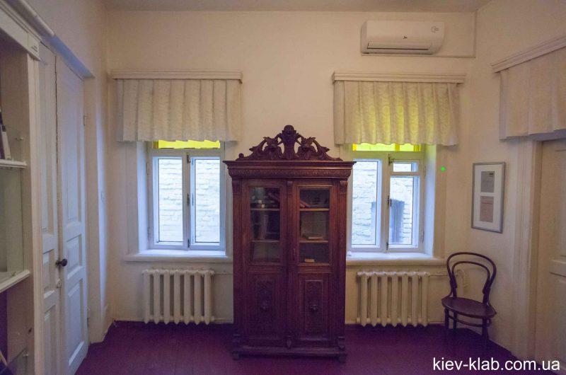Шкаф в доме Булгакова
