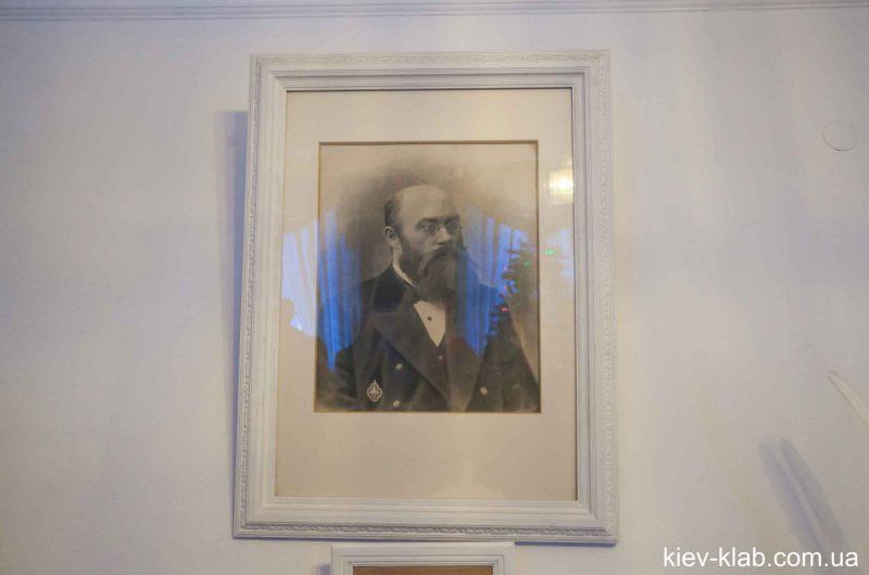 Отец главы семьи в доме Булгакова