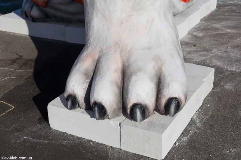 "Лапа собаки Скульптура ""Друг"""