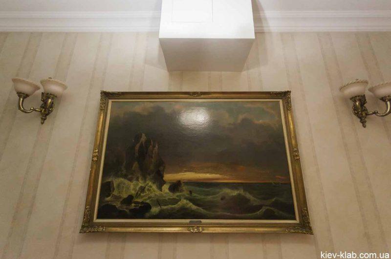 Картина в доме с Химерами