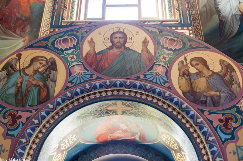 Ангелы в храме в Ските Киево-Печерской Лавры