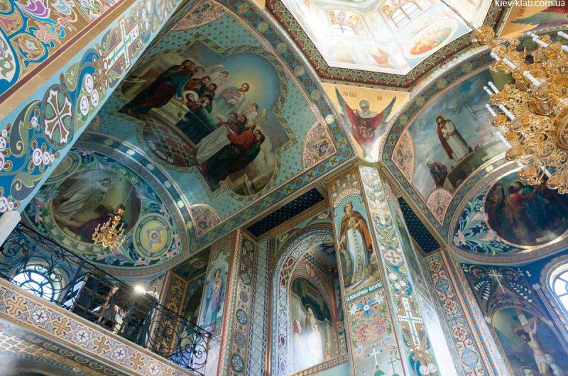 Певчая в храме в Ските Киево-Печерской Лавры