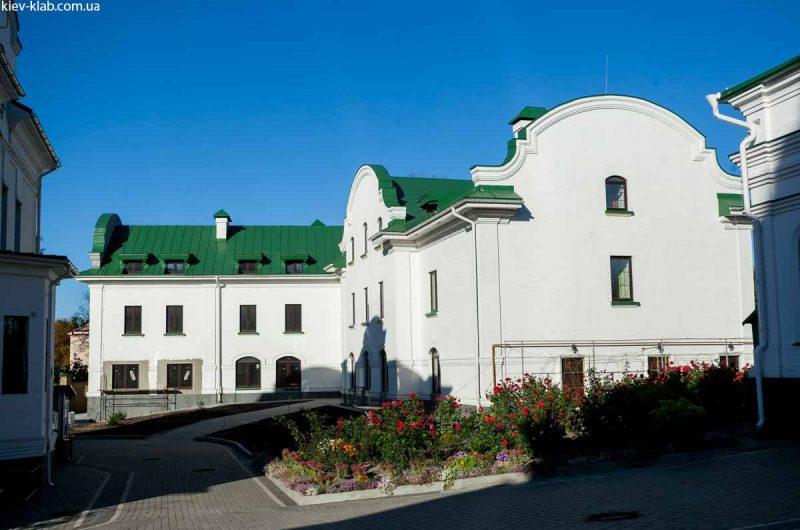 Гостиница в Ските Киево-Печерской Лавры