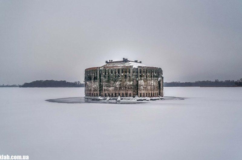 Девиационная башня зимой