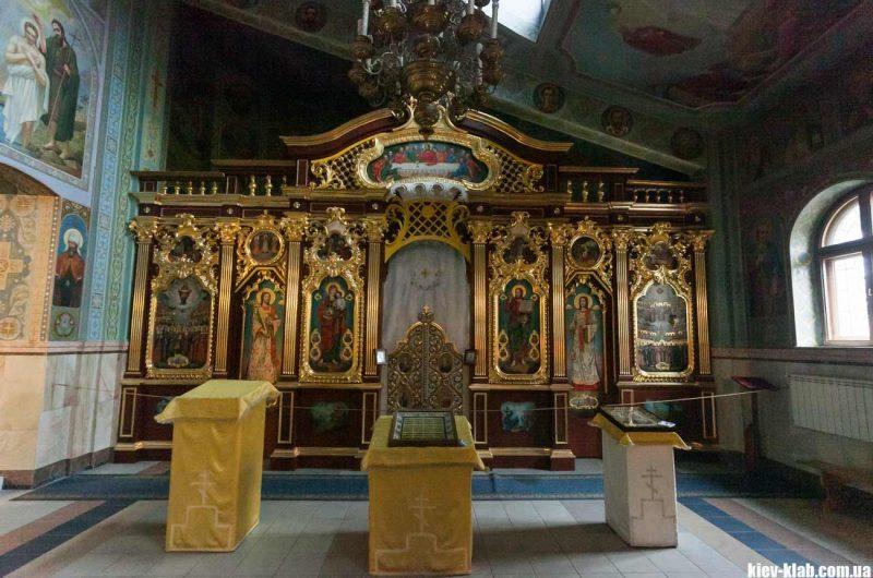 Иконостас храма на борщаговке