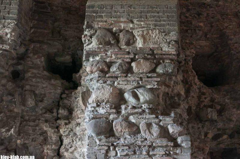 Золотые Ворота древрнерусской кладки