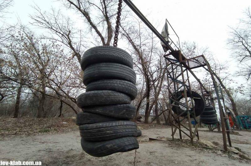 Груша из колёс в Гидропарке