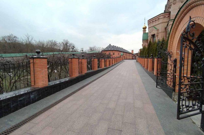 Голосеевский монастырь адрес