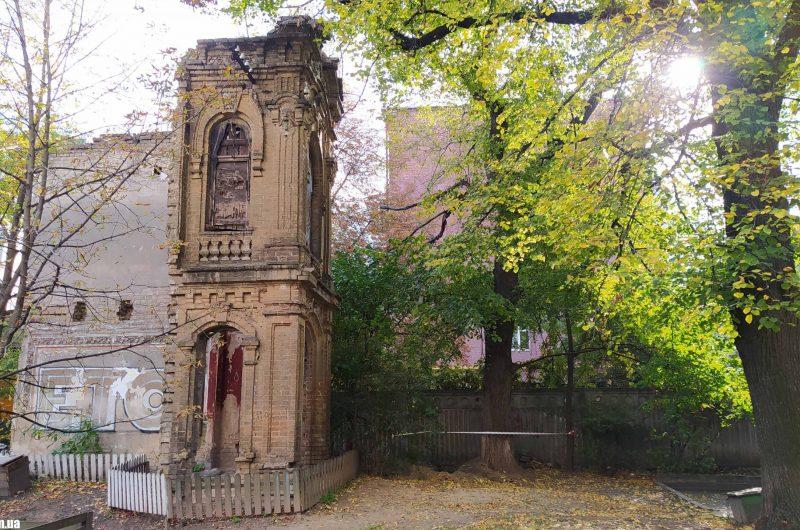Руины возле Бехтеревского переулка