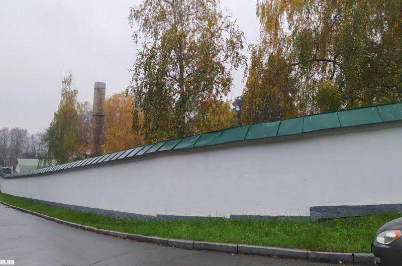 Ограждение Выдубицкого монастыря